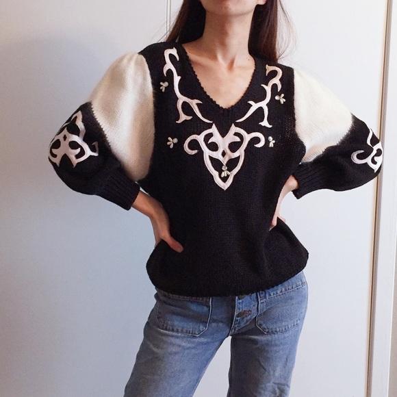c7d4273dda5eba Vintage puff sleeve sweater by Liana Petites. M_5a73f8e75512fd80891f4cc3